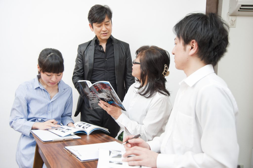 日本メンズビューティスタイル協会の各企業、各種学校等への講習会
